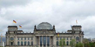 Der Deutsche Bundestag vor seiner Verhüllung in ganzer Pracht. Bildquelle: pixabay.de