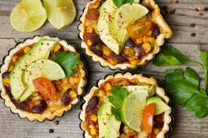 Schon lange Bestandteil mexikanischer Gerichte landet die Avocado auch immer häufiger in den deutschen Mägen. Quelle: pixabay.de