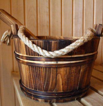 Ein heißer Saunaaufguss wirkt nicht nur wohltuend, sondern auch gesundheitsfördernd. Quelle: pixapay.de