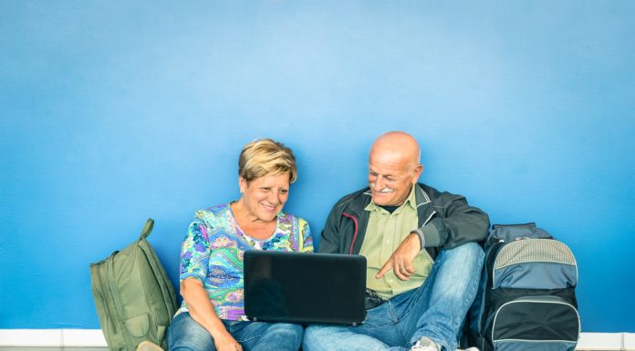 Warten am Flughafen ist nicht immer lustig – manchmal winkt aber eine Entschädigung. Quelle: Shutterstock.com