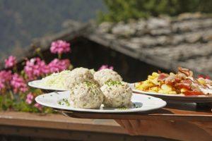Südtirol ist bekannt für seine Vielfalt an Knödeln. Quelle: MGM