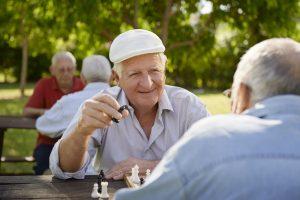 Aktivitäten wie Schach spielen halten uns fit im Kopf. Quelle: Shutterstock.com