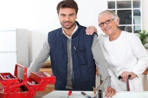 Anstatt der Nachbarschaftshilfe werden heute immer mehr bezahlte Dienstleistungen in Anspruch genommen. Quelle: Shutterstock.com