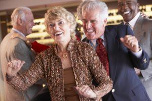 Tanzen hält jung und trainiert den Geist. Quelle: Shutterstock.com