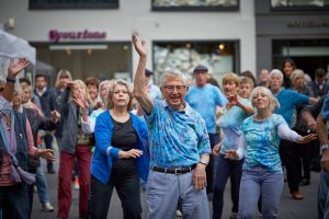 Tanzen macht Spaß und zwar in jedem Alter. Bildquelle: ©Bine Bellmann für 59plus GmbH