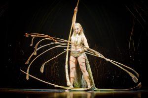"""In der Mythengeschichte """"Amaluna"""" spielen dieses Mal viele weibliche Akteure mit. Quelle: Cirque du Soleil"""