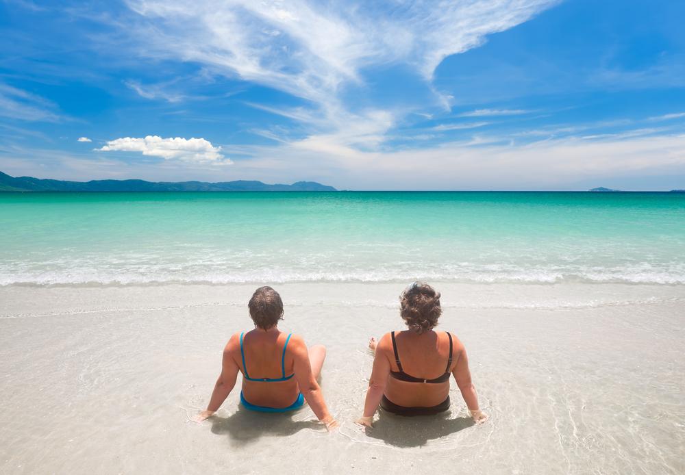 Gut sitzend und der Figur entsprechend - das macht gute und vor allem modische Bademode aus. Bildquelle: © Shutterstock.com