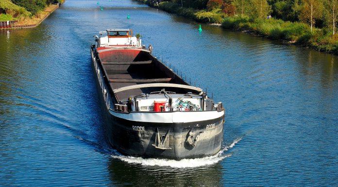 Binnenschifffahrt hat eine lange Tradition. Quelle: Pixabay.com