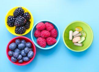 Mit Nahrungsergänzungsmitteln können Sie Ihre Ernährung unterstützen. Quelle: Shutterstock.com