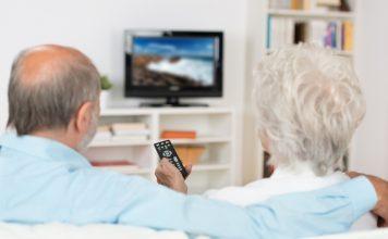 Mit dem red button Angebot eröffnet sich nochmal eine völlig neue Nachrichten- und Informationsvielfalt zusätzlich zum klassischen Fernsehen. Bildquelle: shutterstock.com