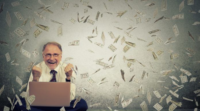Rückerstattung bei Stornierung. Quelle: Shutterstock.com