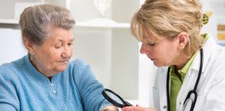 Regelmäßige Hautkrebs-Vorsorge ist ein absolutes Muss. Quelle: Shutterstock.com