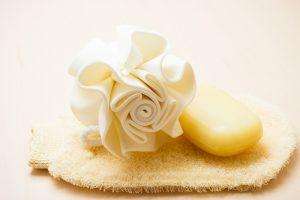 Erfrischung für die Haut mit einem Peeling! Quelle: Shutterstock.com