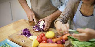 Neues Jahr, neue Vorsätze - fangen Sie doch einfach mit gesunder Ernährung an! Quelle: Shutterstock.com