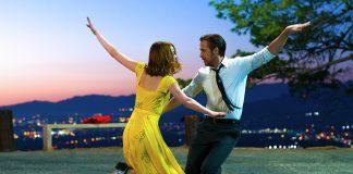 In LA LA LAND tanzen und träumen Mia (Emma Stone) und Sebastian (Ryan Gosling) von einem besseren Leben. Quelle: © 2017 STUDIOCANAL GmbH