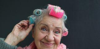 Rapunzel lass Dein Haar herab! Haare sind ein wichtigesAusdruckmittel der eigenen Persönlichkeit. Quelle: Shutterstock.com
