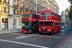 London ist bekannt für seine roten Doppeldecker-Busse. - Pixabay.de