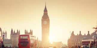 Der Big Ben in London. - Shutterstock.com