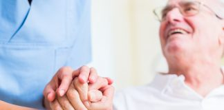 Was bringen die neuen Änderung in der Pflegeversicherung? Quelle: Shutterstock.com