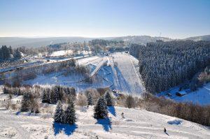 Winterberg im Sauerland – Skifahren im Winter, Wandern im Sommer. - Pixabay.de