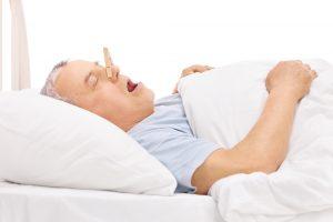 Schlafapnoe beeinträchtigt nicht nur die eigene Gesundheit, sondern auch die des Partners. Bildquelle: © Shutterstock.com