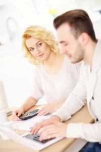 Ein Kreditvergleich empfiehlt sich natürlich! Quelle: © istock.com/macniak