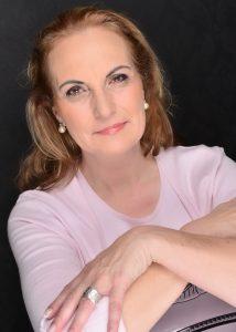 """Susanne """"Sue"""" Bischoff - Gründerin von """"RE-VITALIS geführte Golf / Kultur Touren"""". Quelle: RE-Vitalis/Susanne Bischoff"""