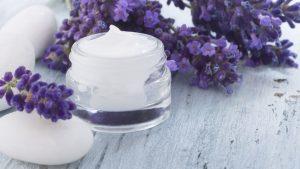 Versorgen Sie die Haut mit ausreichend Pflegestoffen.
