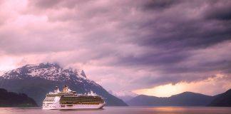 Reisen mit dem Kreuzfahrtschiff wird immer beliebter. Quelle: Shutterstock.com