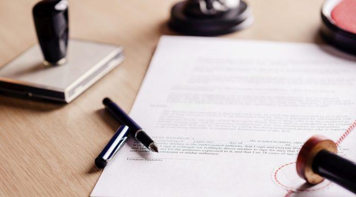 Vollmachten bedürfen der Schriftform. Quelle: Shutterstock.com