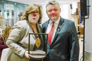Nach der Preisverleihung der Rudi Assauer Stifung - Susanne Bötel mit dem Bundesgesundheitsminister Hermann Grohe. Quelle: ©Rudi Assauer Stiftung