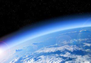 Die Ozonschicht ist auf dem Weg der Heilung. Quelle: Shutterstock.com