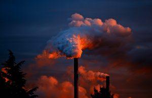 Der Mensch ist wohl Hauptverantwortlicher für die Zerstörung des Ozon. Quelle: Pixabay.de