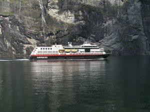 Früher Postschiffe, heute Passagierschiffe - die Hurtigruten. Bildquelle: Pixabay.de