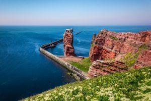 """""""Die lange Anna"""" ist das Wahrzeichen der Insel Helgoland. Bildquelle: Shutterstock.com"""