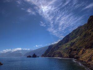 Wunderschöne Felsformationen erwarten Sie auf Madeira. Bildquelle: Pixabay.de