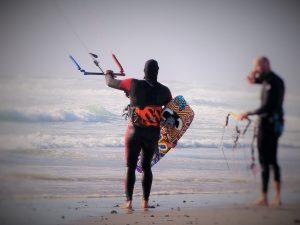 Alles eine Frage des trainings und der Bedingungen - Surfen im Alter. Bildquelle: Pixabay.de