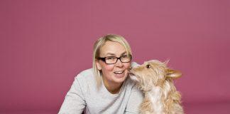 Fotografin Bine Bellmann verbindet ihre Liebe zu Hunden mit dem Beruf. Bildquelle: Bine Bellmann