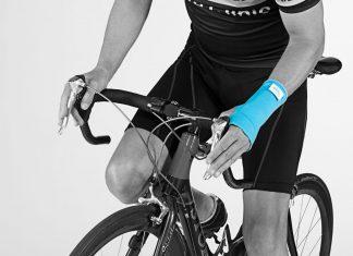 Wenn die Gelenke wieder schmerzen hilft eine neue, kühlende Bandage. Quelle: cool&move®