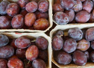 Jetzt im September kehren die Pflaumen an die Fruchttheken zurück. Quelle: pixabay.de