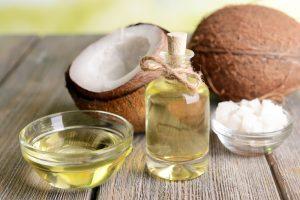 Mittlerweile ist bekannt, dass Kokosfett den Körper positiv beeinflußen kann. Quelle: shutterstock.com