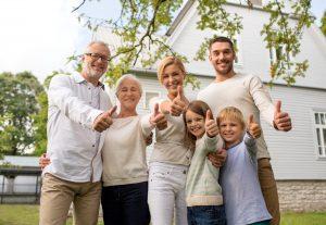 Wie möchte ich im Alter leben? Verschiedene Wohnformen bieten ganz unterschiedliche Lösungen. Bildquelle: Shutterstock.com