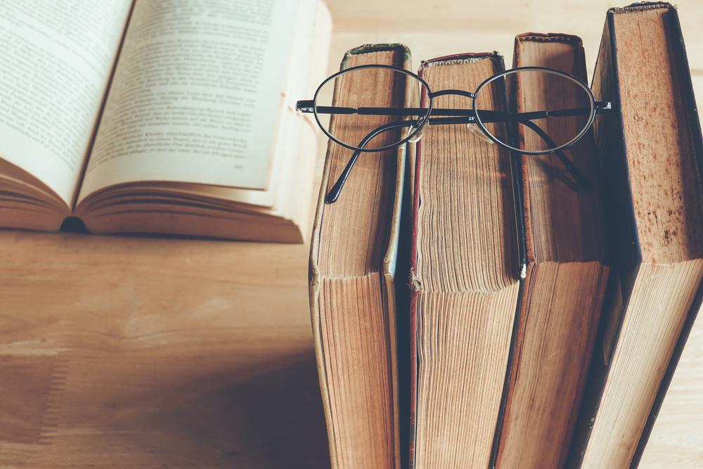 Es ist sogar wissenschaftlich belegt, dass das Lesen die mentale Leistungsfähigkeit steigert - und das nicht nur bei Kindern. Bildquelle: Shutterstock.com