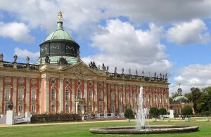 Der Schriftsteller Voltaire war häufig Gast im Schloss Sanssouci in Potsdam. Bildquelle: Pixabay.de