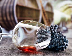 Besonder libanesische Rotweine sollte jeder Liebhaber einmal probiert haben. Bildquelle: shutterstock.com