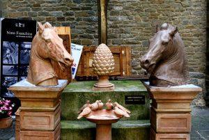 Kurioses und Antiquitäten en masse – ein Besuch auf Europas größtem Trödelmarkt lohnt sich in jedem Fall. Bildquelle: pixabay.de