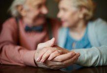 Die gute alte Kontaktanzeige - Angelika Mohrig hat es gewagt und Erfolg gehabt. Bildquelle: shutterstock.com