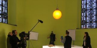 59plus bei der Arbeit – begleitet von FrauTV/WDR. Bildquelle: 59plus/Mattin Ott