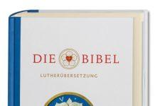 Die revidierte Ausgabe der Lutherbibel kommt in einem modernen Design. Bildquelle: Deutsche Bibelgesellschaft