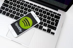 Das schwedische Unternehmen Spotify ist Marktführer in diesem Bereich. Bildquelle: A. Aleksandravicius / shutterstock.com